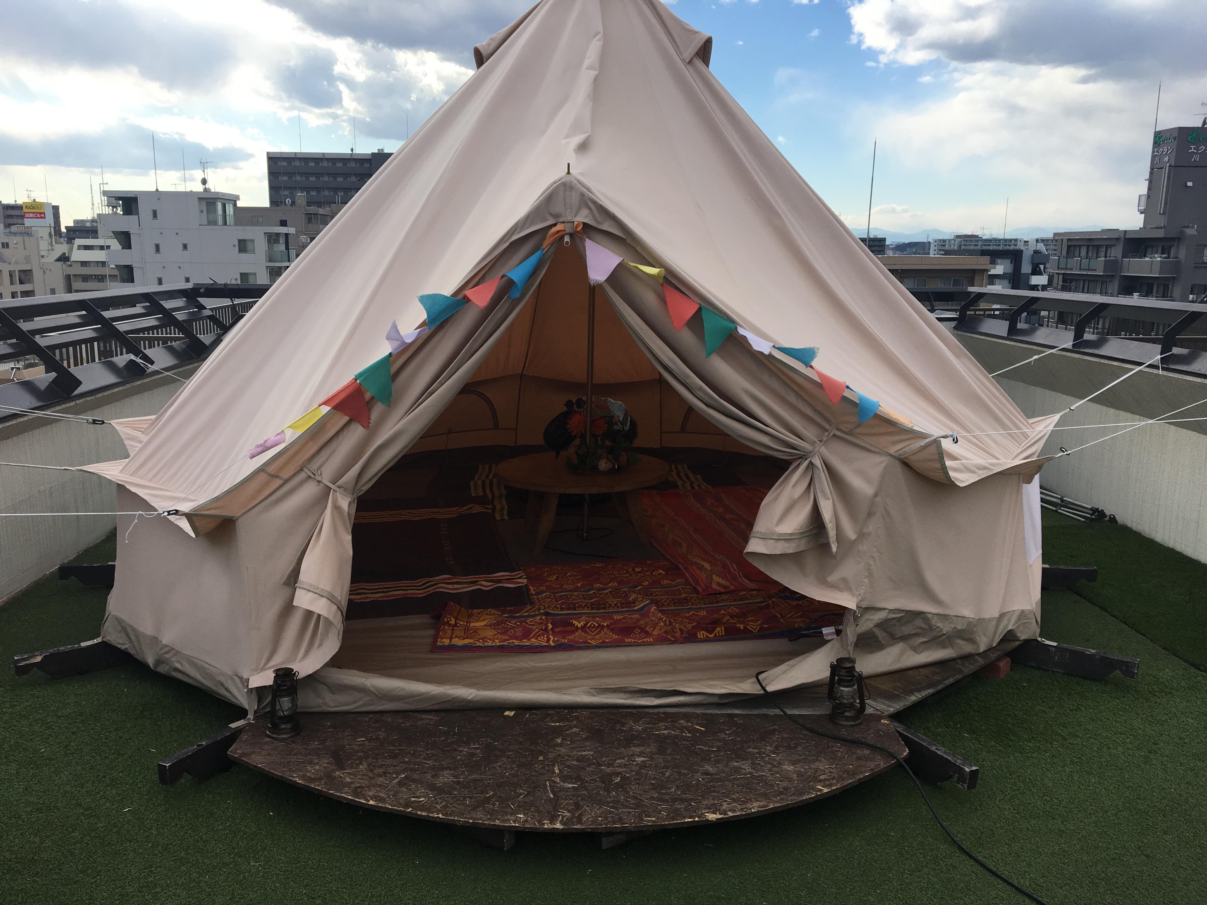 キャンプのテント