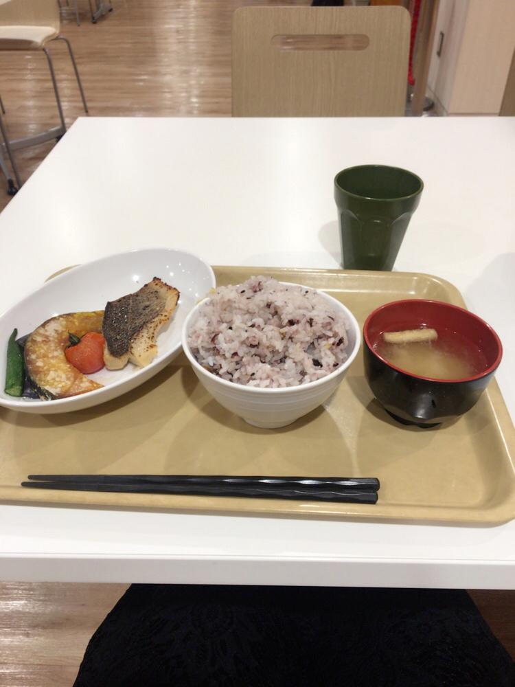新宿区役所の定食