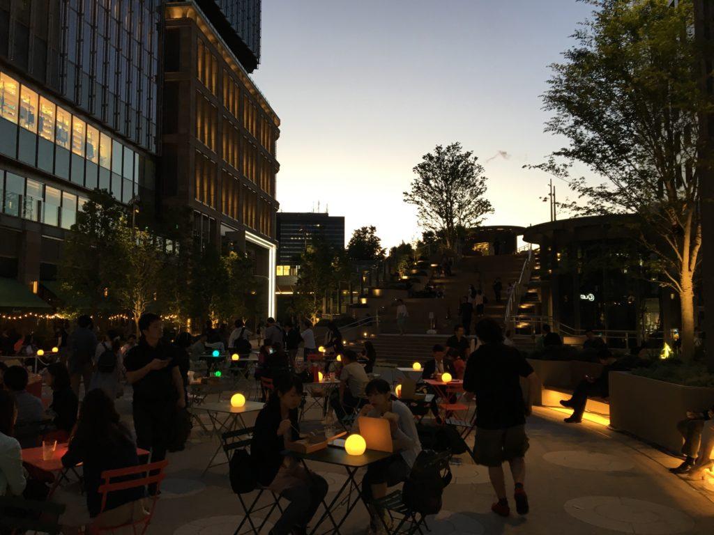 東京ミッドタウン日比谷の夜の様子
