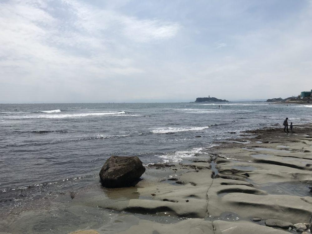 稲村ケ崎公園から見える岩場2