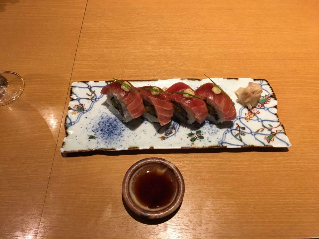 とろたくロール寿司