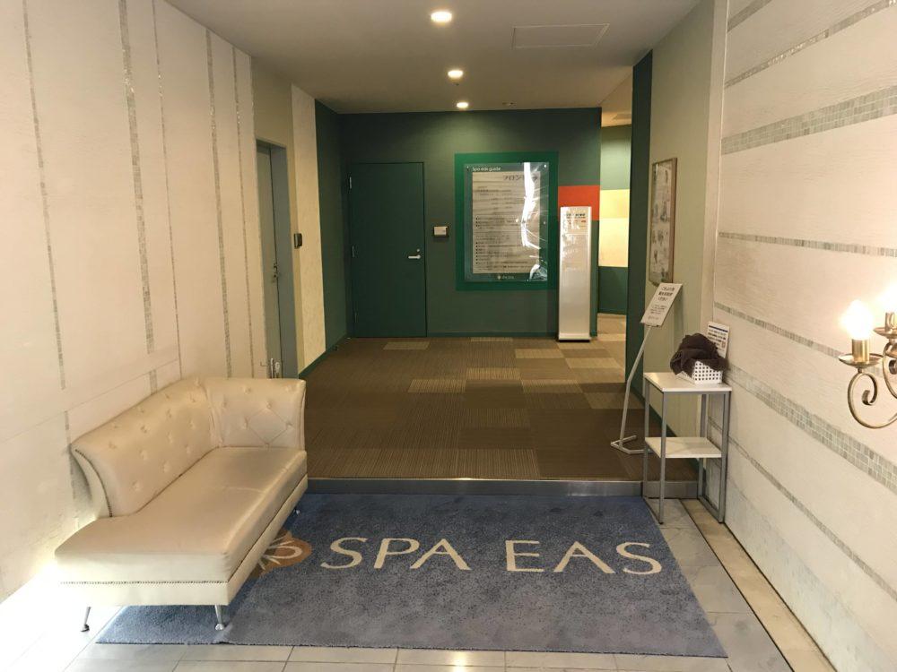 横浜天然温泉SPA EASのエントランス