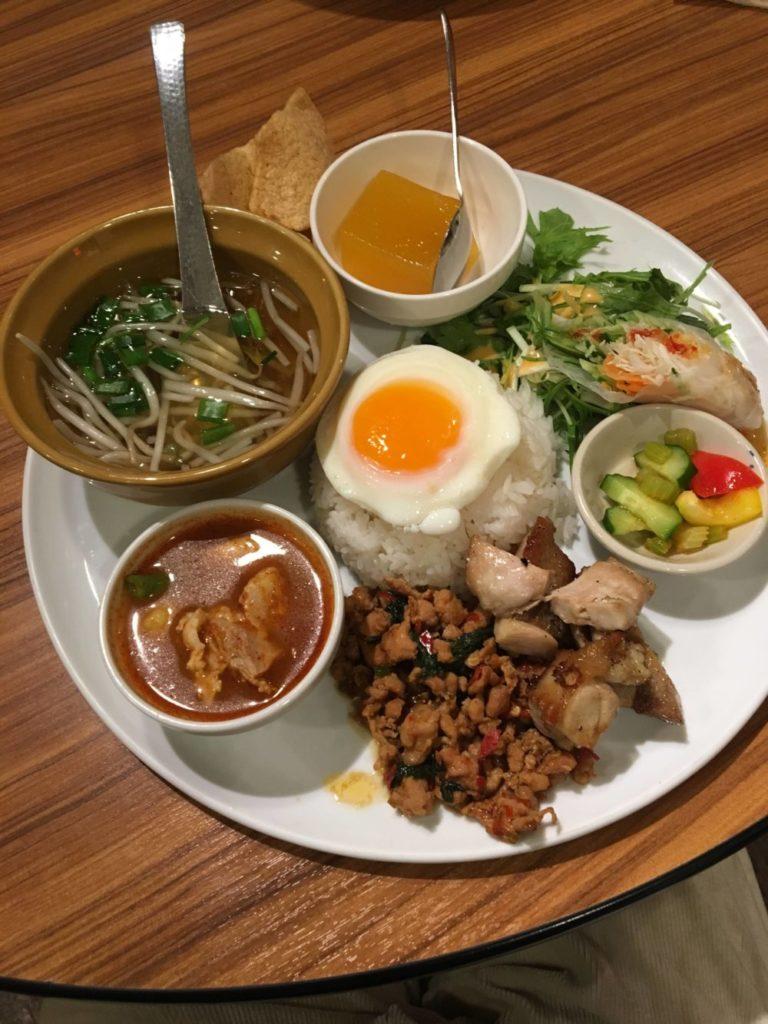 マンゴツリーカフェの本日のスペシャル飯