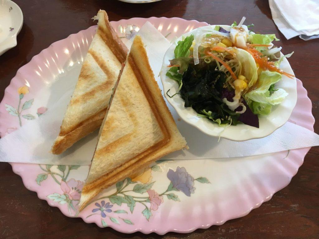 ぶどうの木のハムチーズサンド