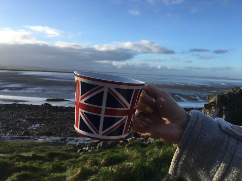 コーヒーカップと風景