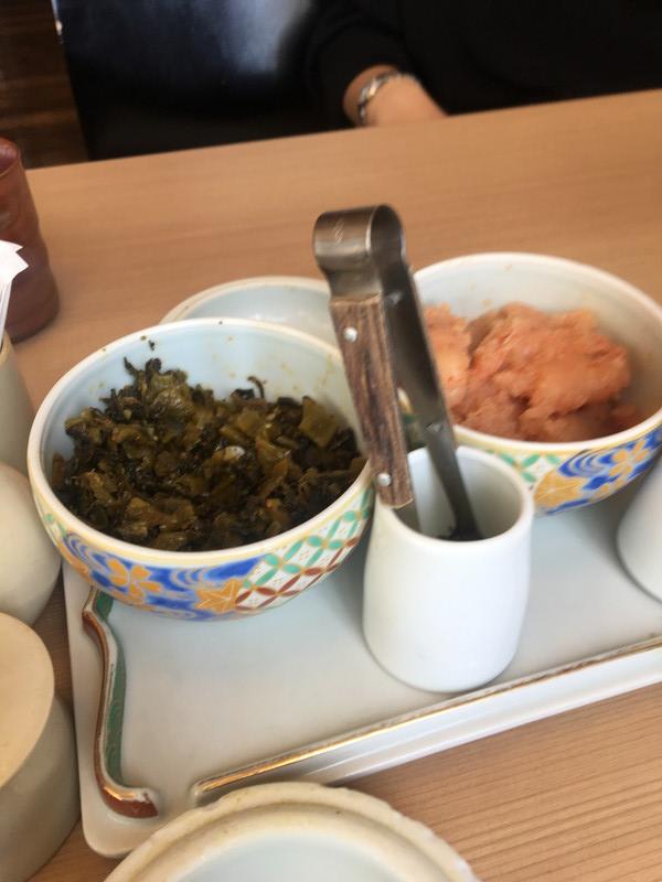 各テーブルにあった明太子と高菜