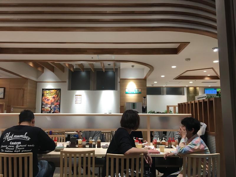 松のや ホテルユニゾ横浜駅西店の店内