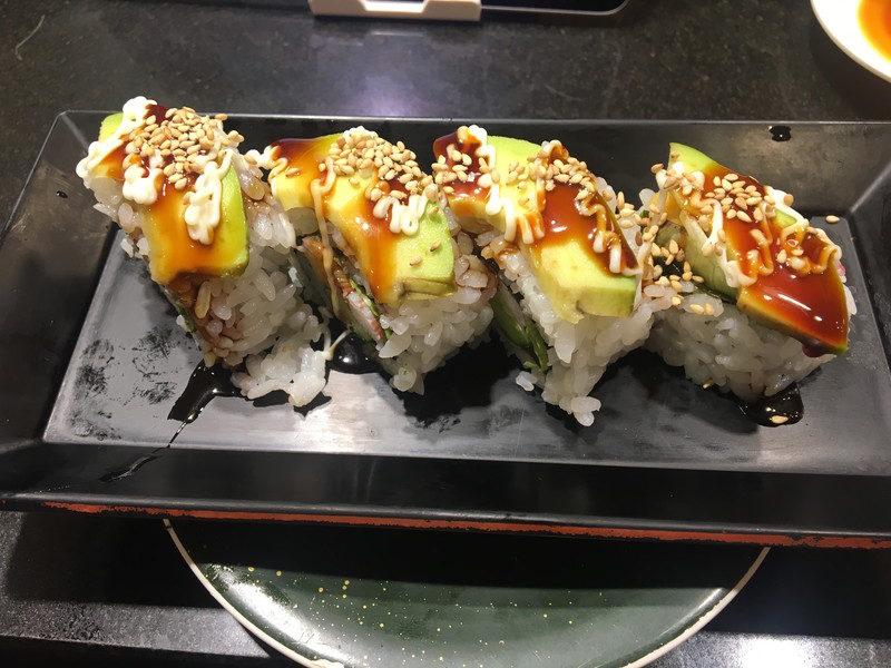 回し寿司 活 美登利のカリフォルニアロール