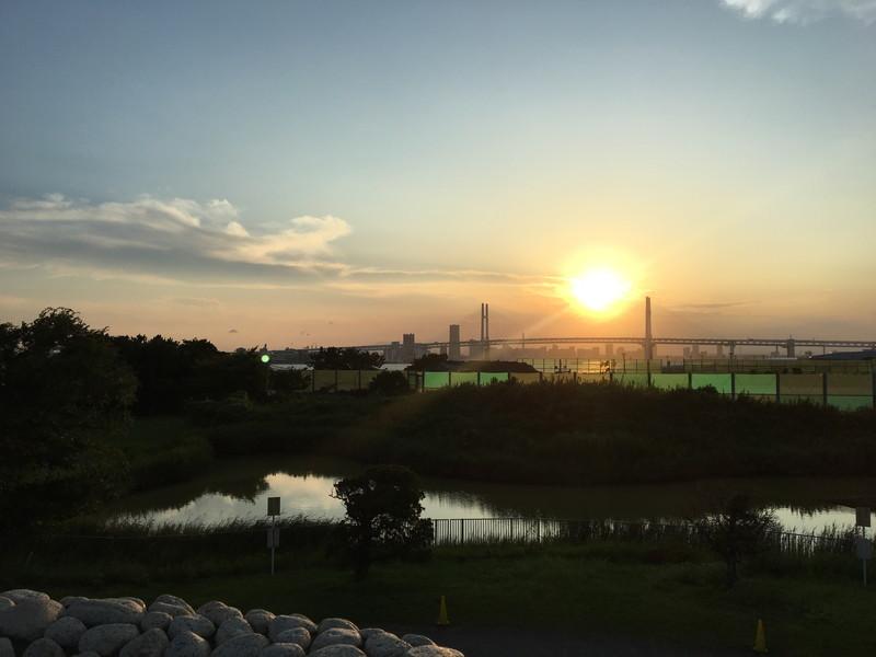大黒海づり公園から見える夕日