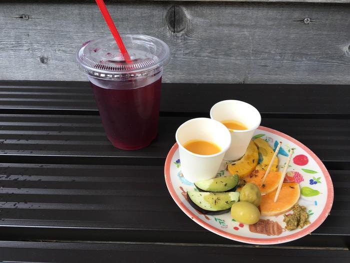 サスケストア鎌倉の赤紫蘇ジュースと試食で出してくれたピクルス