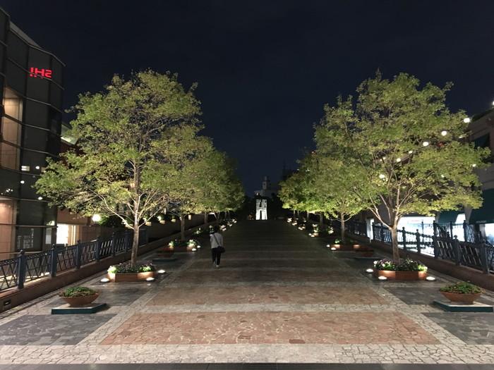 BURGER KING (バーガーキング) 恵比寿ガーデンプレイス店目の前にある広場