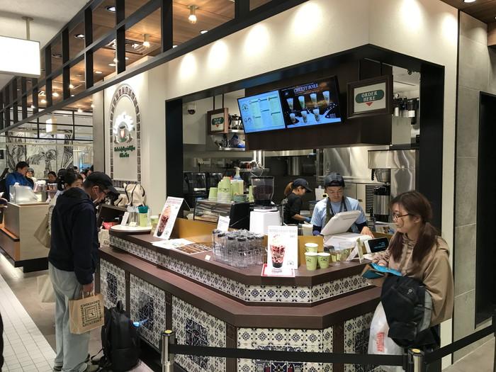Urth Caffe (アースカフェ) 渋谷スクランブルエア店正面