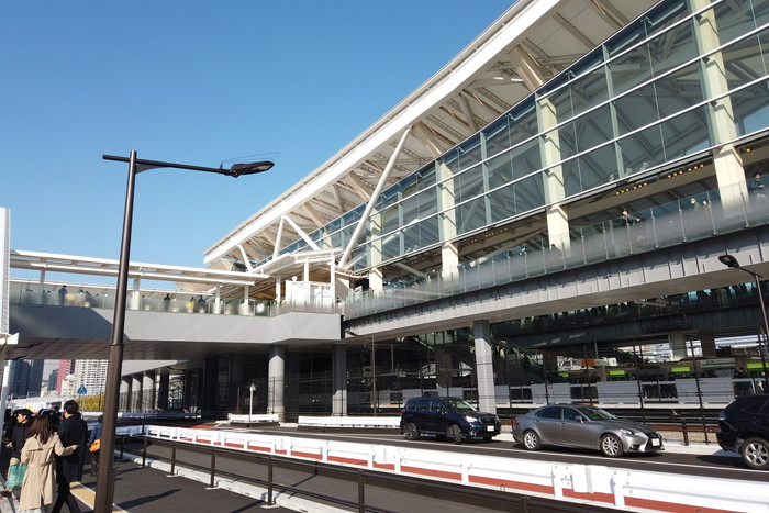 高輪ゲートウェイ駅改札入り口の右側の外観