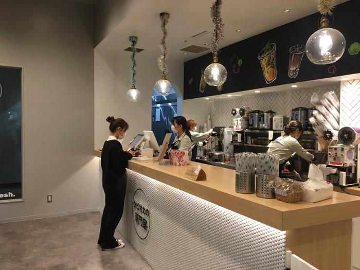 丸作食茶(ワンズオスーチャ) 横浜中華街店の店内